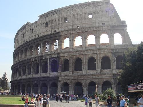 Un paseo por el Coliseo romano