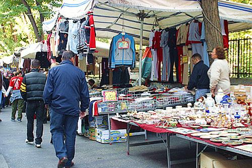 El mercado de Via Sannio, ropa y mucho más